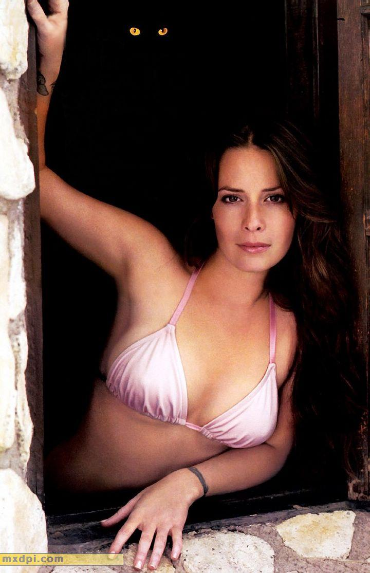 holly marie combs insta